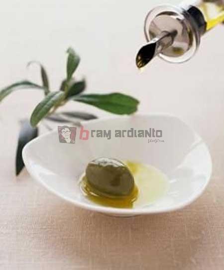 Olive Oil, Minyak Zaitun, Bekas Jerawat, Obat Bekas Jerawat, Obat Jerawat Alami