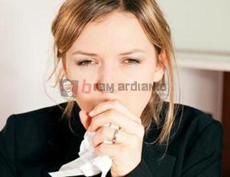batuk, batuk kering, penyebab batuk kering, cara meredakan batuk, cara menghilangkan batuk