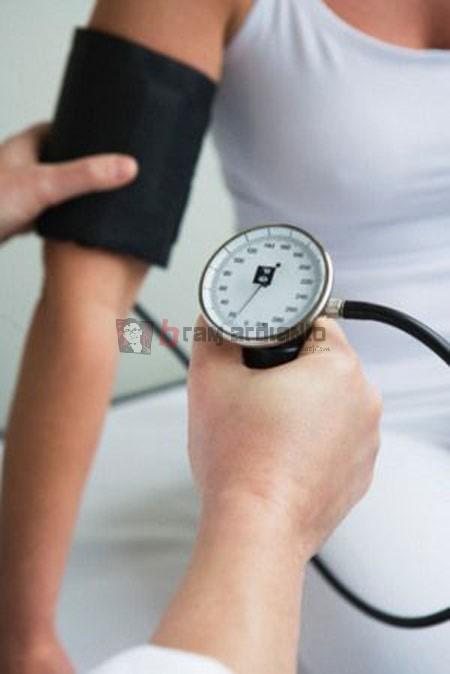 tekanan darah, tekanan darah rendah, obat darah rendah, makanan darah rendah, mengatasi darah rendah, gejala darah rendah, penyebab darah rendah,penyakit darah rendah, tensi darah rendah