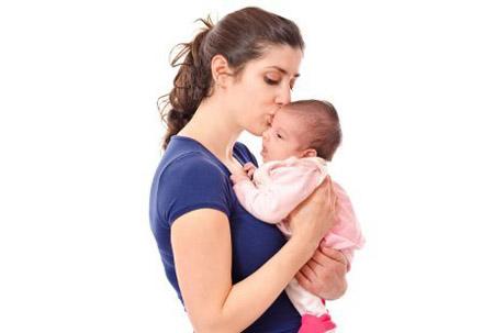 menggendong bayi, cara menggendong bayi