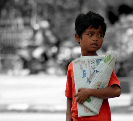 cerita kehidupan, kisah inspirasi, anak penjual koran