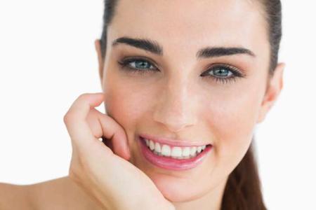 kulit wajah berminyak, mengatasi kulit berminyak, menghilangkan kulit berminyak, tips kulit berminyak, merawat kulit berminyak, mengatasi wajah berminyak
