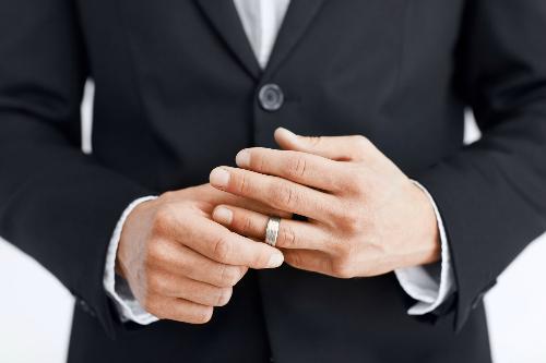 pacara dengan suami orang, mengencani pria beristri, mencintai suami orang